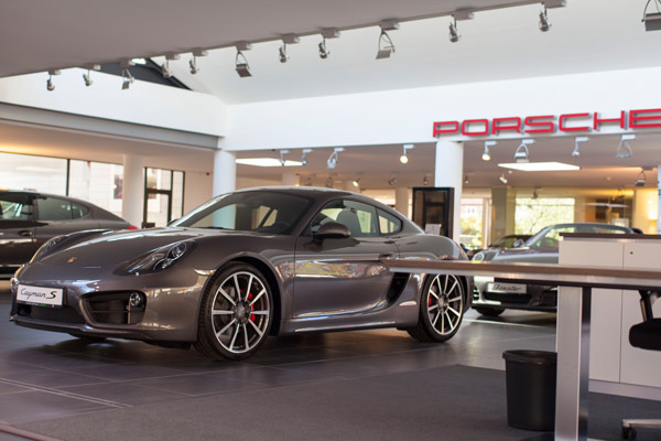 porsche zentrum kiel impressionen. Black Bedroom Furniture Sets. Home Design Ideas