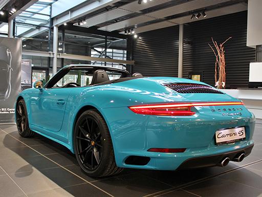 Entdecken Sie unsere verfügbaren neuen 911 Modelle.